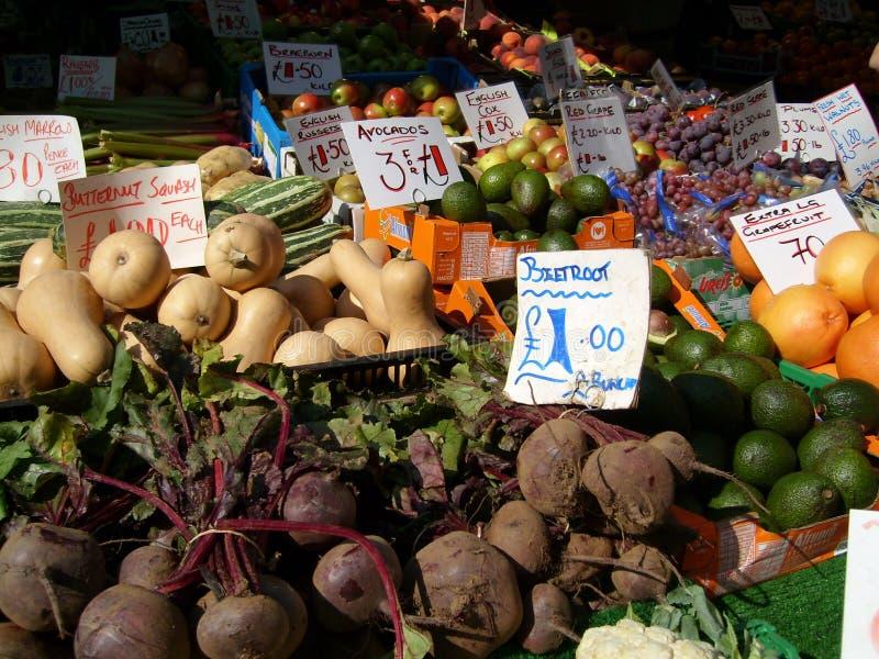 Stall för engelskamarknadsfrukt royaltyfri foto
