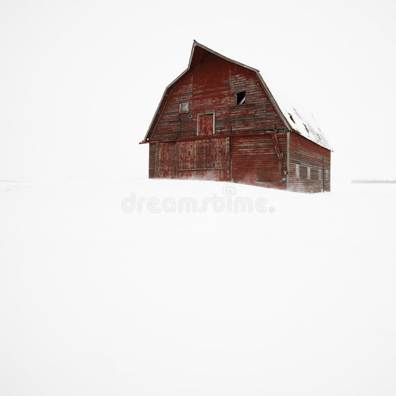 Stall im Winter. lizenzfreies stockfoto