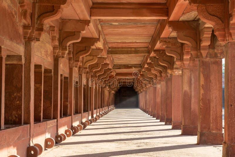 Stalla del cavallo del ` s di Akbar, Fatehpur Sikri, Uttar Pradesh, India immagini stock libere da diritti