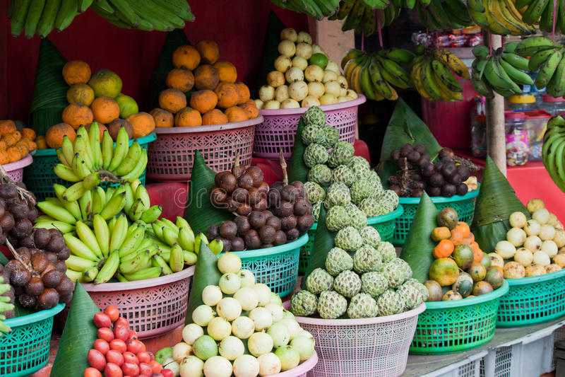 Stalla della frutta del Bali immagini stock libere da diritti