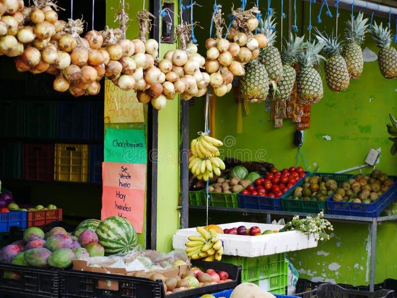 Stalla della verdura e della frutta in Costa Rica fotografia stock libera da diritti