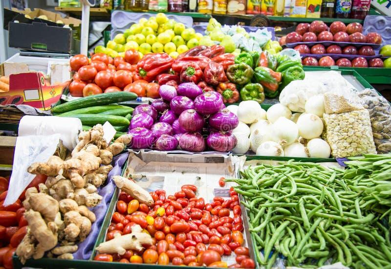Stalla variopinta di verdura e della frutta a Buenos Aires immagini stock libere da diritti