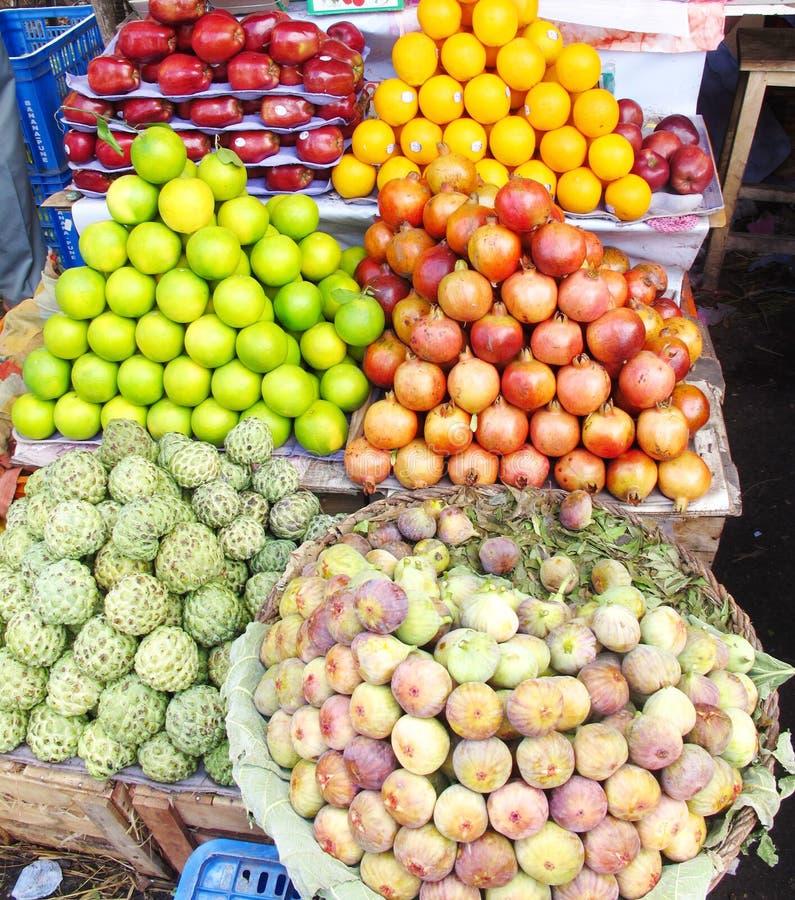 Stalle de fruit photographie stock libre de droits