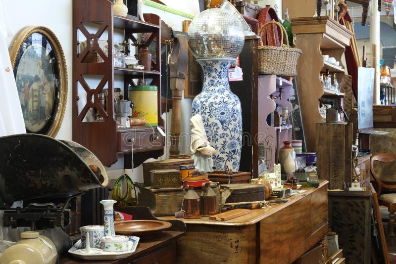 Stalle de magasin d'antiquités de cru image libre de droits