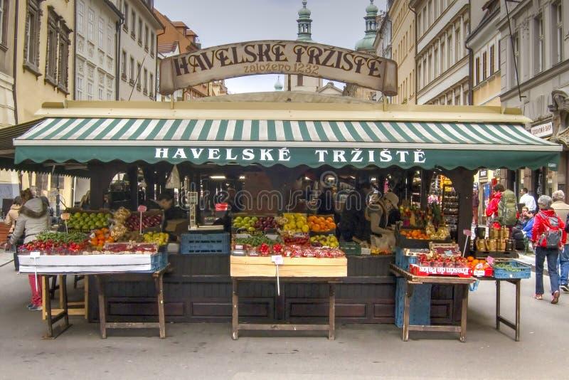 Stalle du marché, Prague image stock