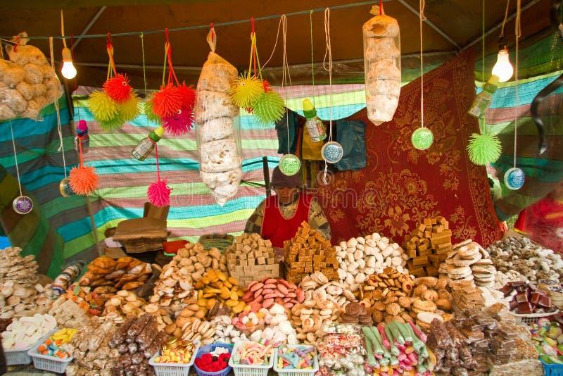 Stalle traditionnelle de bonbons à ecuadorian images libres de droits