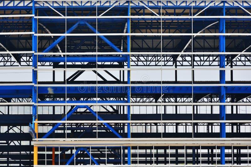 Stalowe struktury przemysłowe rośliny które są w budowie obraz stock