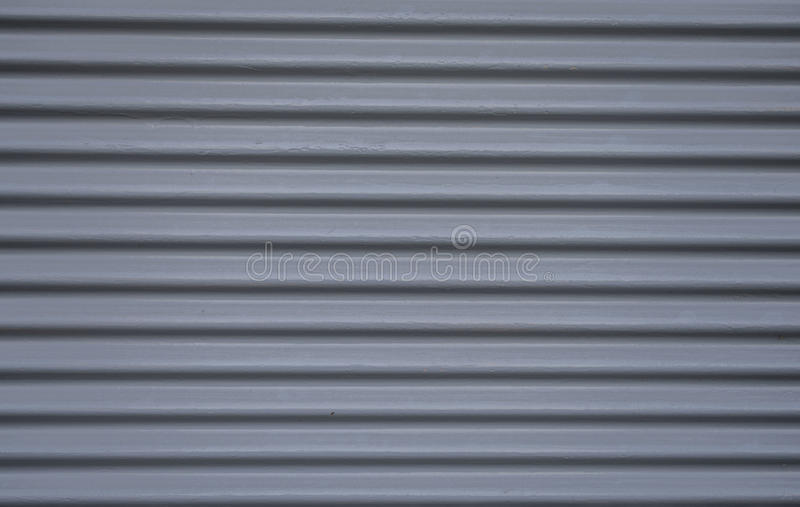 Stalowego garażu popielaci drzwi obraz stock