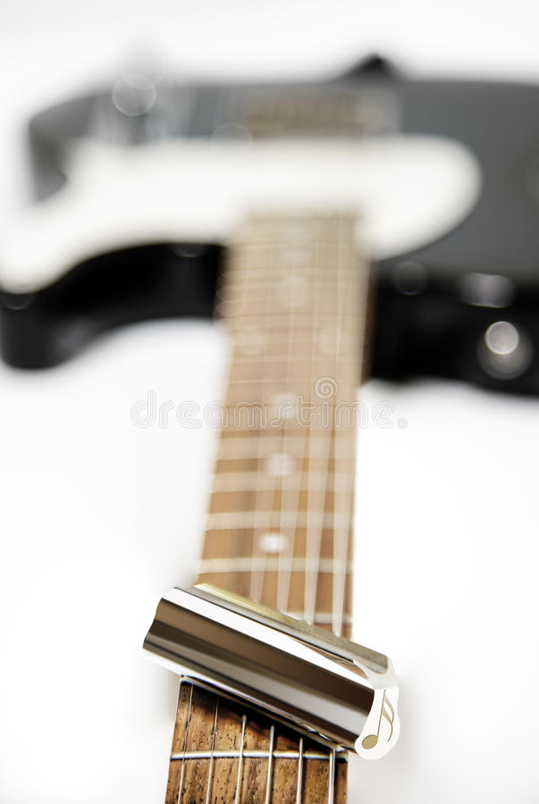 Stalowej gitary obruszenie z Muzykalną notatką na gitarze Fretboard ŻADNY otręby fotografia stock