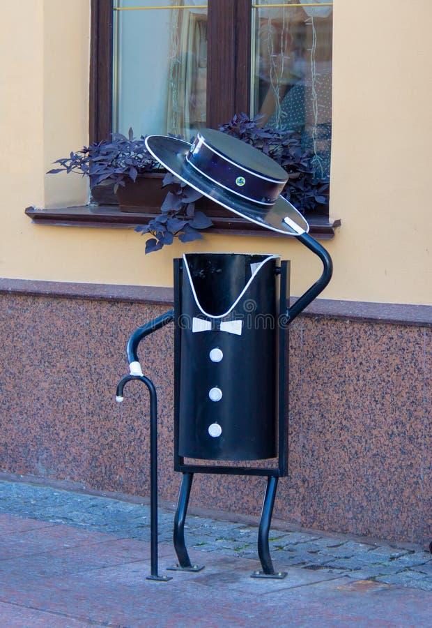 Stalowy dżentelmen z trzciną w kapeluszu obraz stock