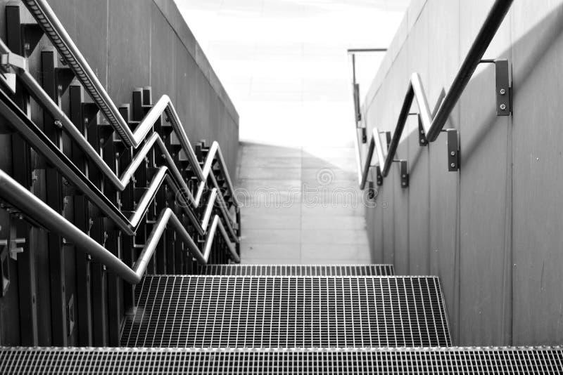 Stalowy schodowy nowożytny drzwi styl out obrazy stock