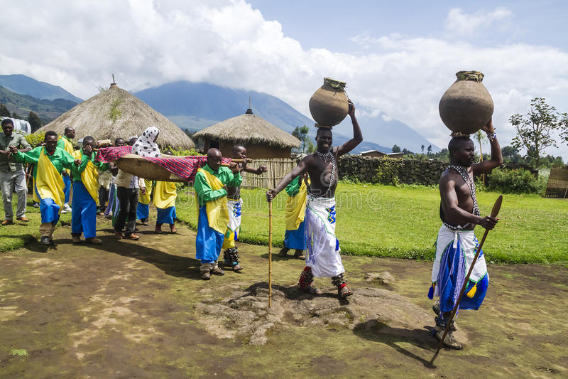 Stam- ritual - Rwanda royaltyfri fotografi