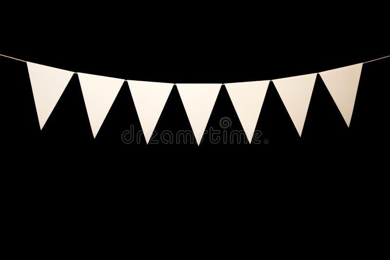 Stamina, sette triangoli bianchi su corda per il messaggio dell'insegna immagine stock