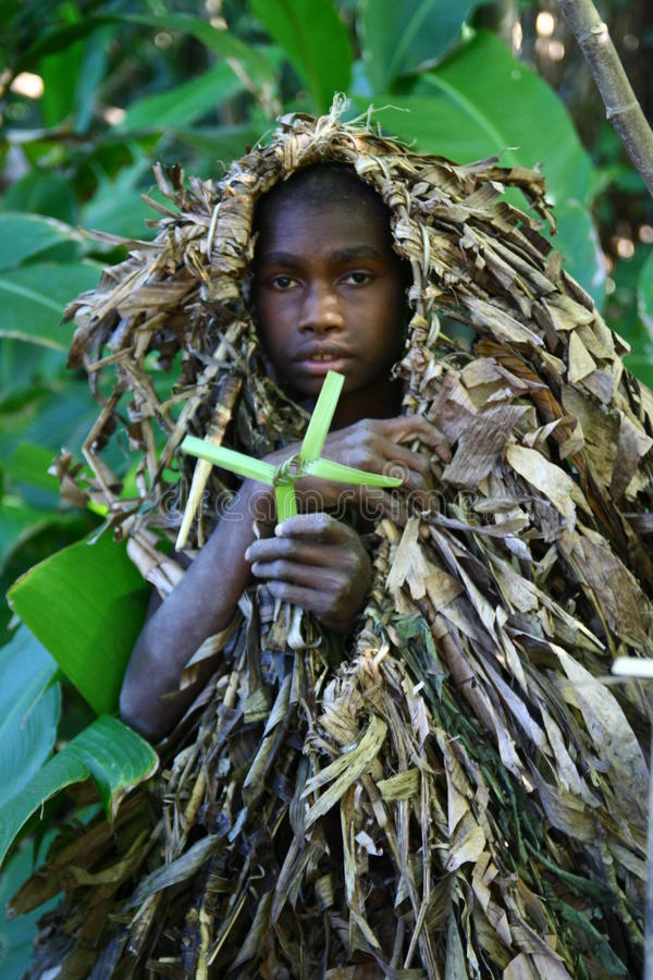 Stammen het dorpsjongen van Vanuatu stock afbeelding