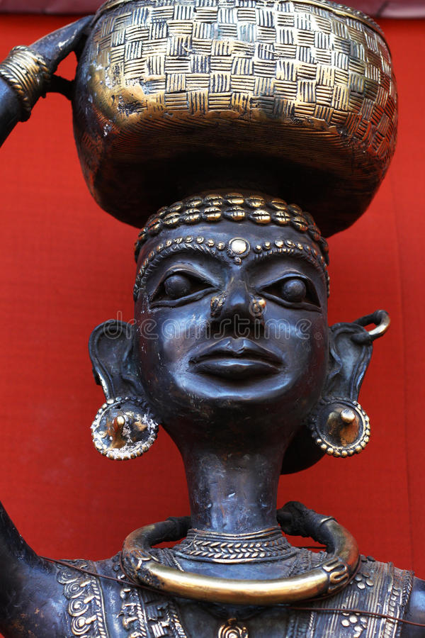 Stammen kunst, model van een stammenvrouw stock fotografie