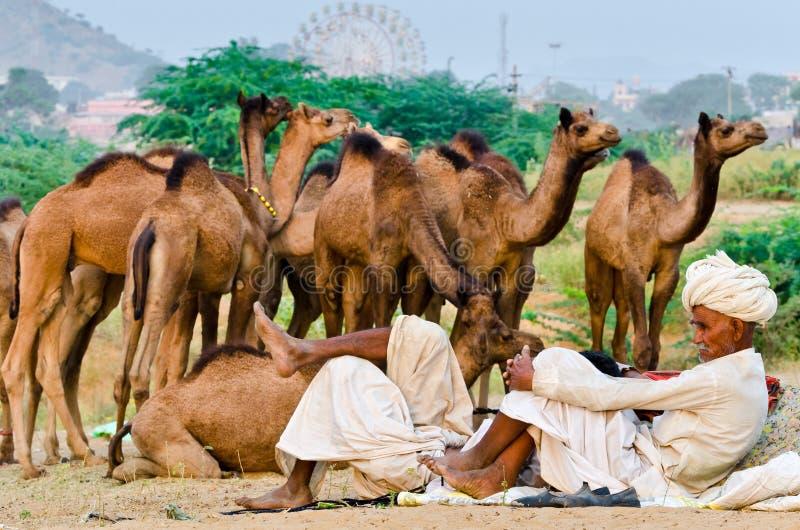 Stammentulbandmensen bij Pushkar-Kameelmarkt, Rajasthan, India royalty-vrije stock afbeelding