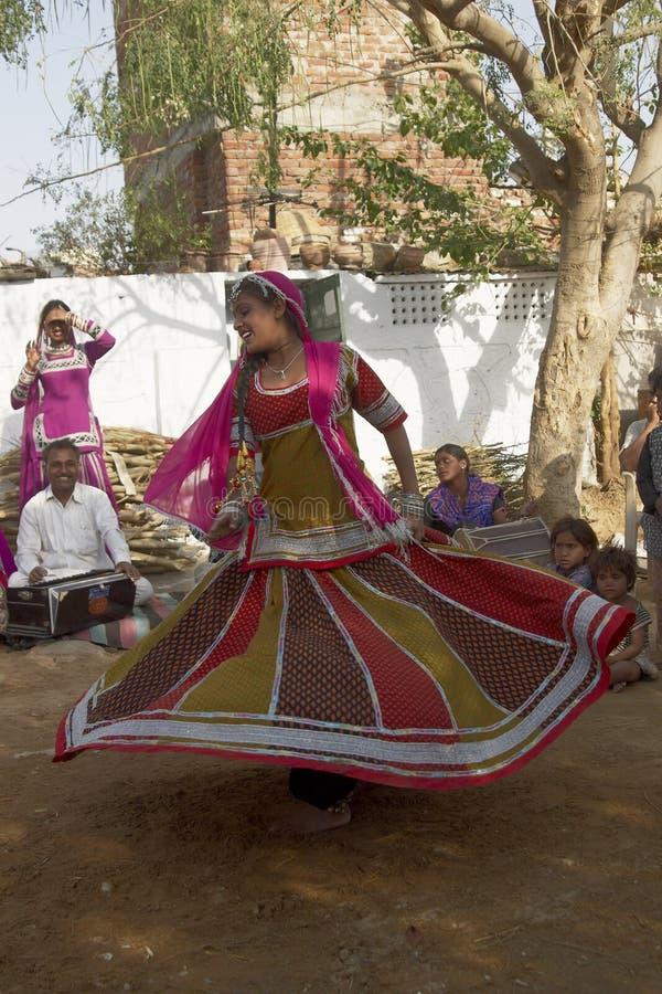 Stammes- Tänzer in Jaipur, Indien lizenzfreies stockfoto