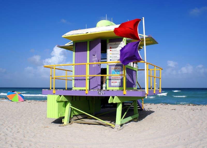 Stand de maître nageur en plage du sud Miami image stock