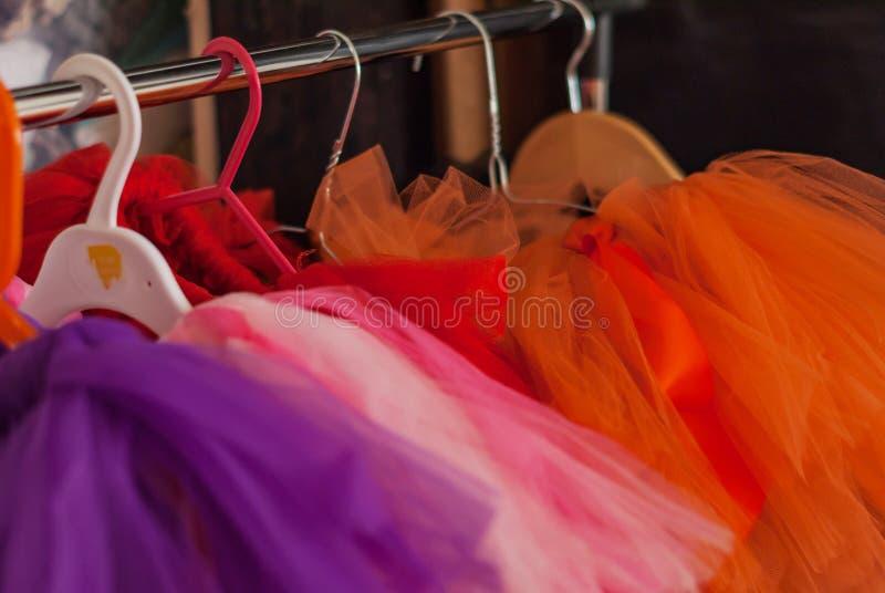 Stand für Kinderröcke Ballettröckchen lizenzfreie stockfotografie