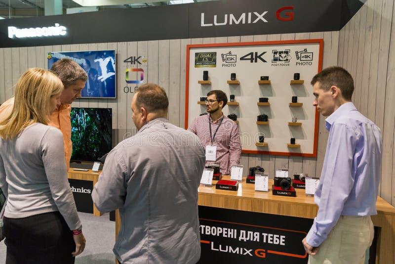 Stand Panasonics Lumix während CEE 2017 in Kiew, Ukraine stockfotos