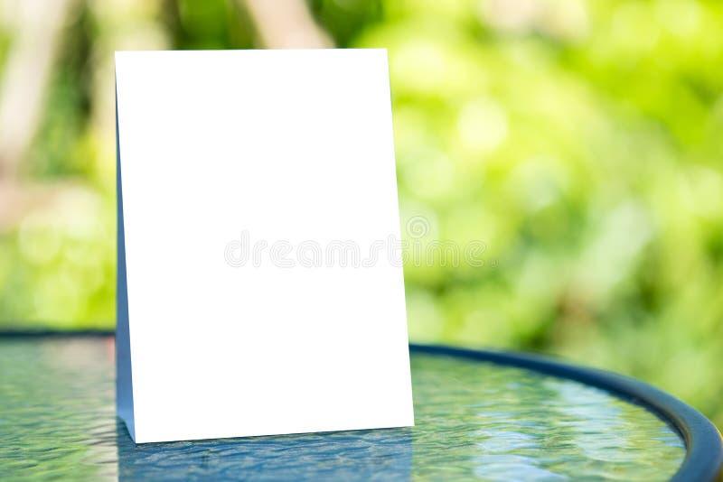 Stand-Spott herauf unscharfes Hintergrunddesign des Menürahmenzeltes Karte lizenzfreie abbildung