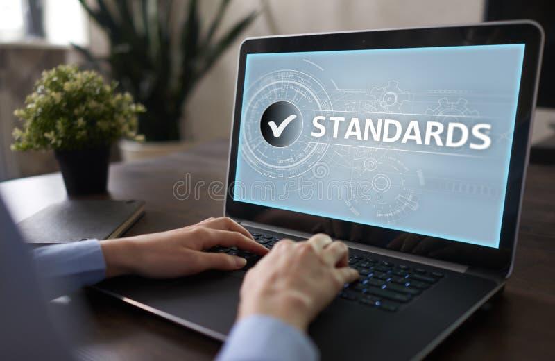 Standardy uległy czek, zapewnienie jakości i kontrola, Biznesu i technologii pojęcie obrazy royalty free