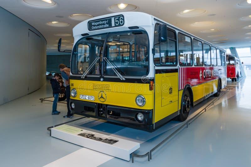 Mercedes-Benz 0305 HH Schnellbus Play Big