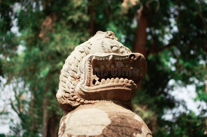 Standbeeld in Angkor Wat, Kambodja Dit gebied is genoemd geworden grootste godsdienstig monument in de wereld royalty-vrije stock afbeeldingen