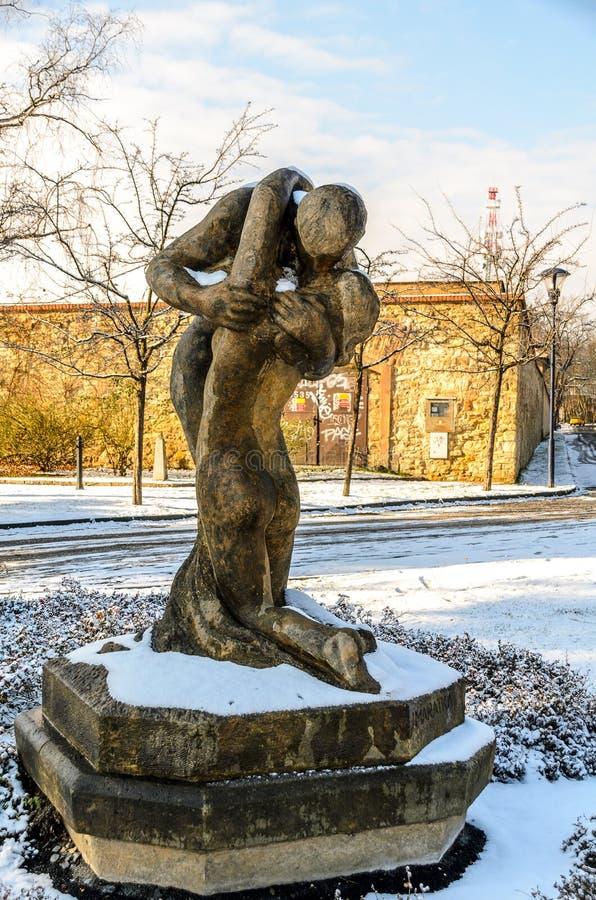 Standbeeld bij Petrin-Park in Praag royalty-vrije stock afbeelding