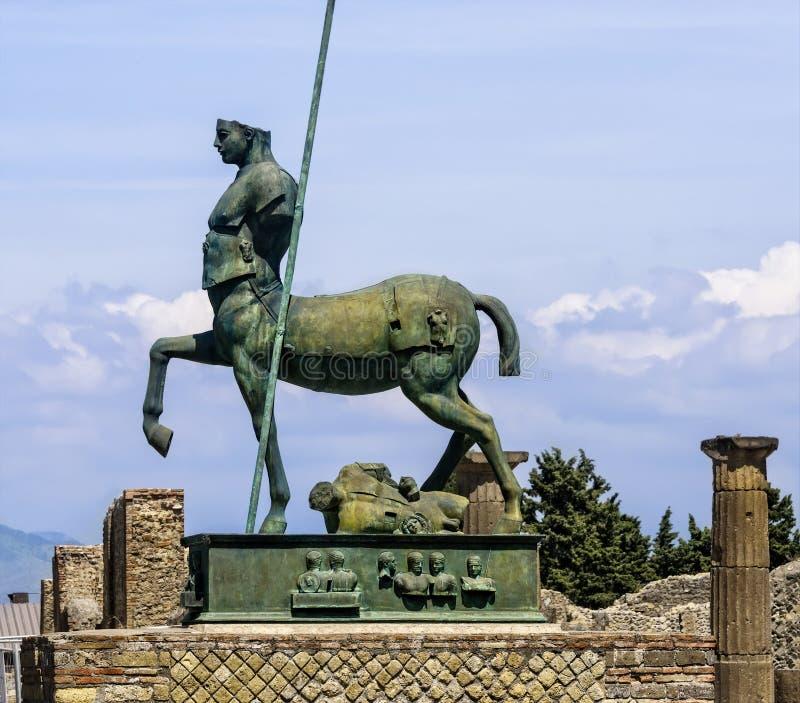 Standbeeld in de Geruïneerde Stad van Pompei stock fotografie