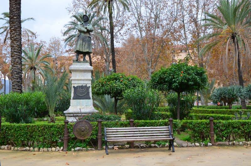 Standbeeld in de openbare tuin van Villabonanno in Palermo royalty-vrije stock afbeelding