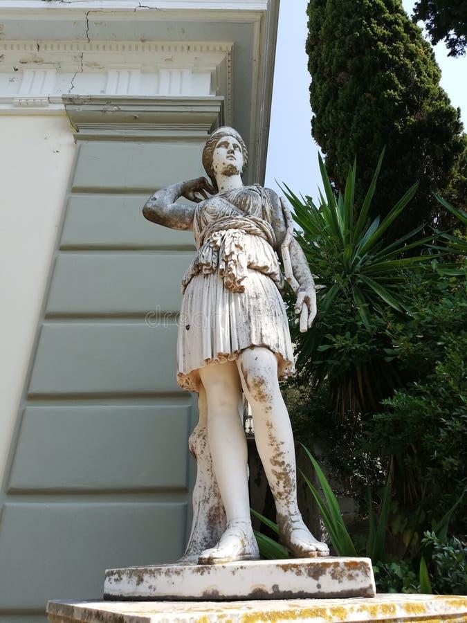 Standbeeld in de tuin royalty-vrije stock foto's