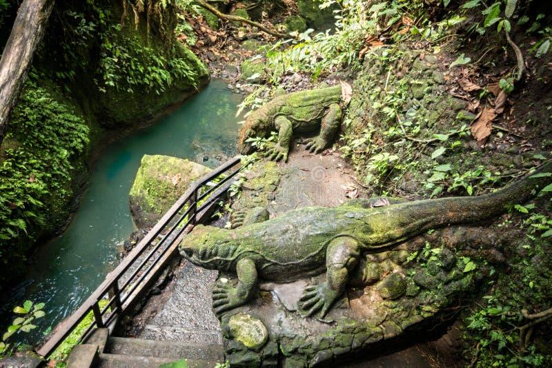 Standbeeld in Heilig Aapbos, Ubud, Bali, Indonesi? royalty-vrije stock fotografie