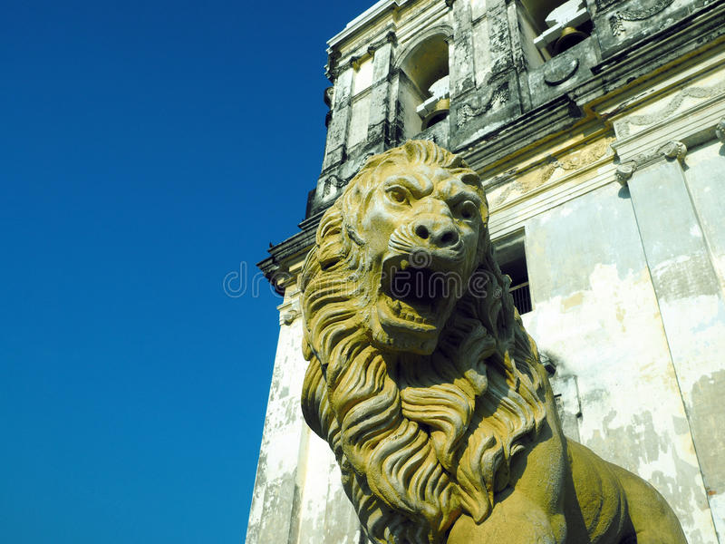 standbeeld Lion Cathedral van Leon Nicaragua Central America stock afbeelding