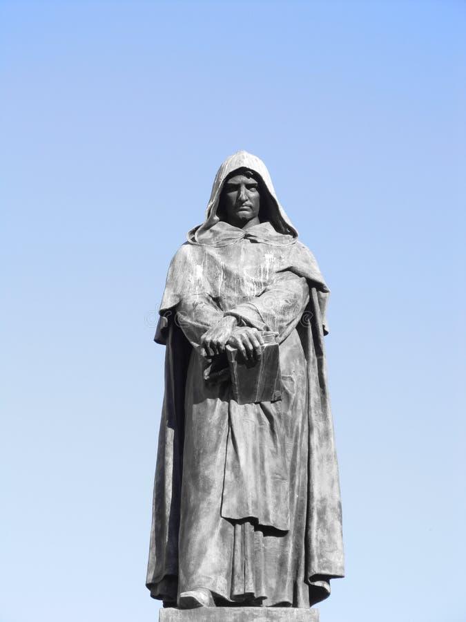 Standbeeld met een kap in Rome stock afbeeldingen