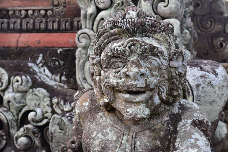 Standbeeld in Phnom Penh Kambodja stock foto's