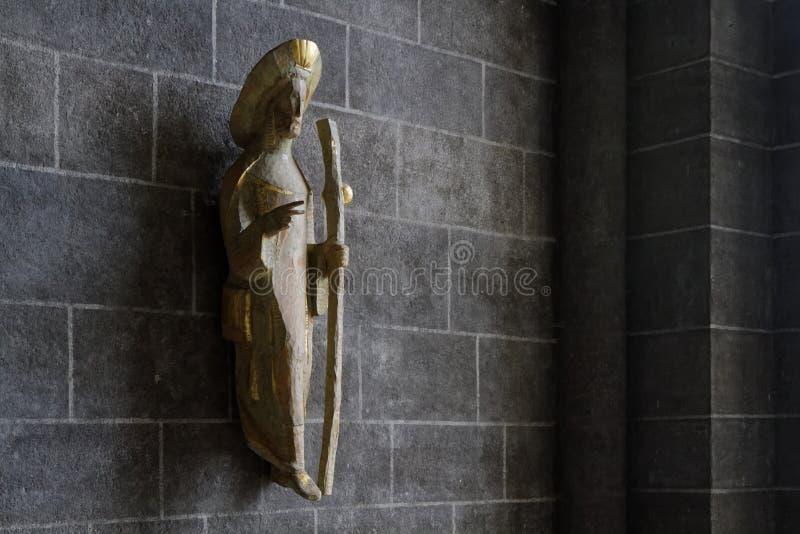 Standbeeld st-James in de Kathedraal van Puy-en-Velay royalty-vrije stock afbeelding
