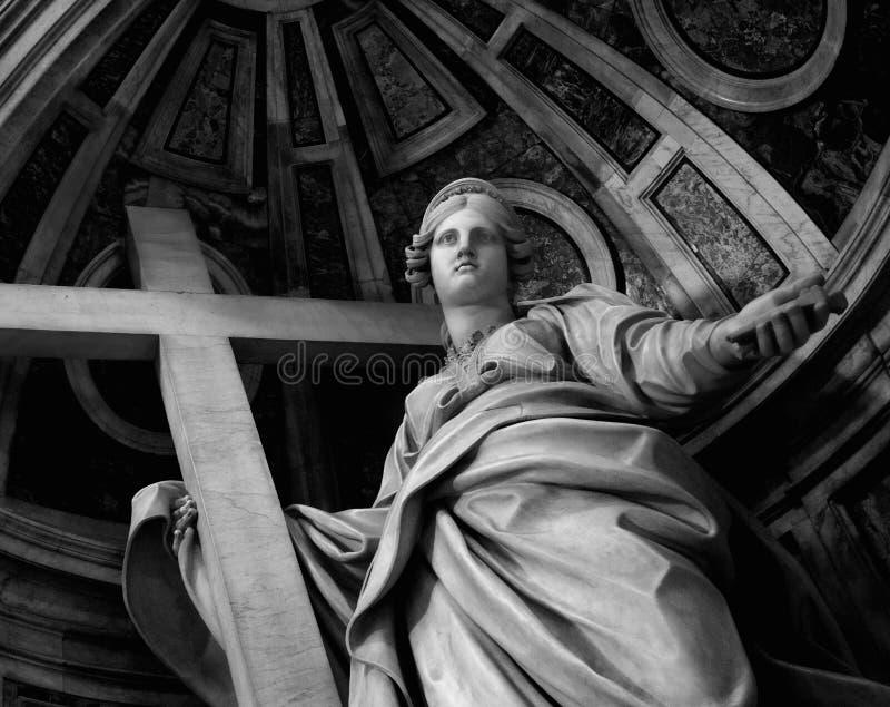 Standbeeld in St. Peter Basilica stock afbeelding