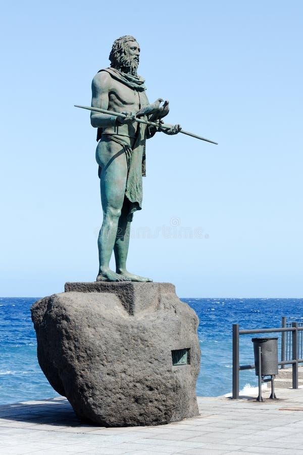 Standbeeld van Anaterve, een Guanche-leider of een mencey, een deel van de negen standbeelden van pre-Spaanse die koningen in Pla stock foto's