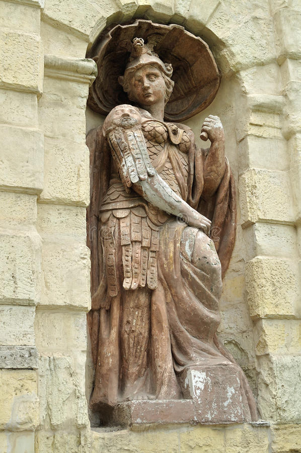 Standbeeld van Athena in de spanwijdte van Peter Poort in Peter en van Paul vesting in heilige-Petersburg, Rusland stock foto's
