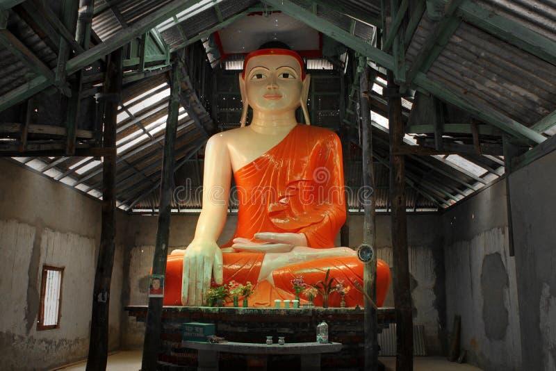 Standbeeld van Boedha stock foto