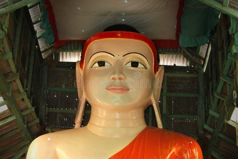 Standbeeld van Boedha stock afbeeldingen