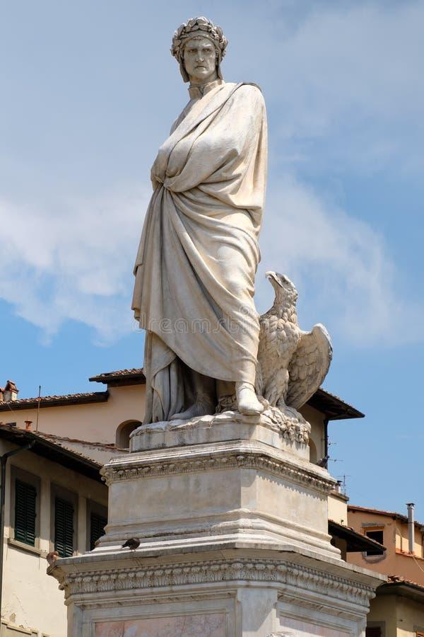 Standbeeld van Dante Alighieri in de oude stad van Florence, Italië royalty-vrije stock foto