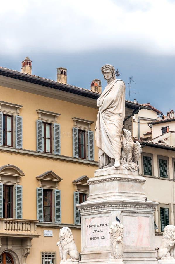 Standbeeld van Dante Alighieri in Florence, Italië stock foto's