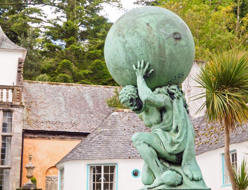 Standbeeld van de God van Hercules in Portmeirion stock foto's