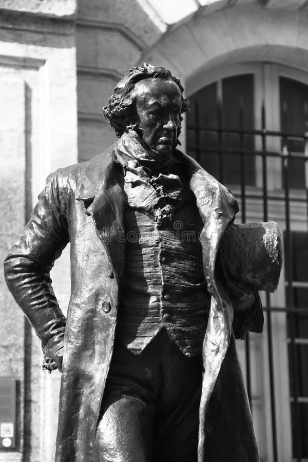 Standbeeld van de mens in zwart-wit royalty-vrije stock afbeelding