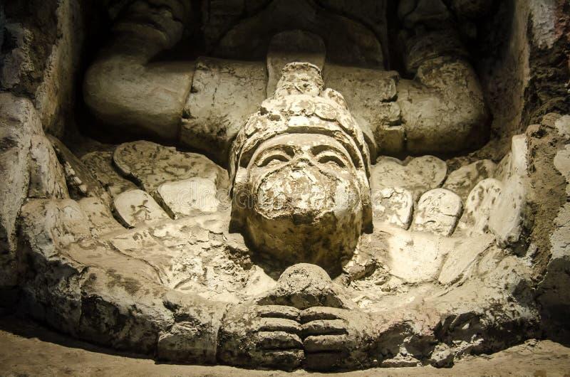 Standbeeld van de nakomelingsgod in Tulum stock afbeeldingen