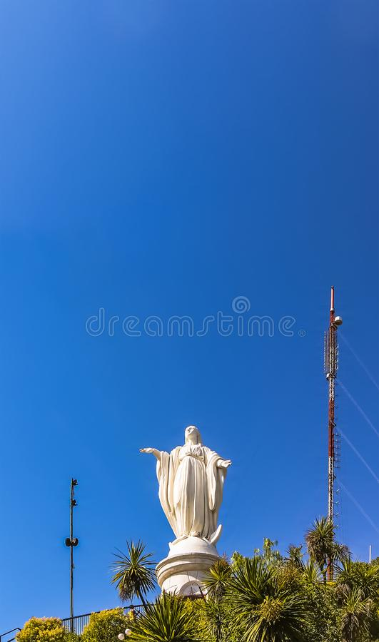 Standbeeld van de Onbevlekte Ontvangenis op San Cristobal Hill, Santiago, Chili stock afbeelding