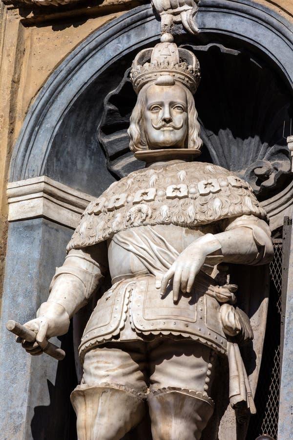 Standbeeld van de Spaanse koning van Sicilië Philip III stock foto's