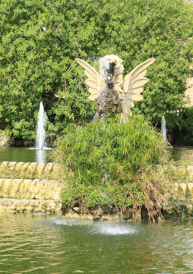 Standbeeld van draak op Cascada Monumentaal in Barcelona royalty-vrije stock fotografie